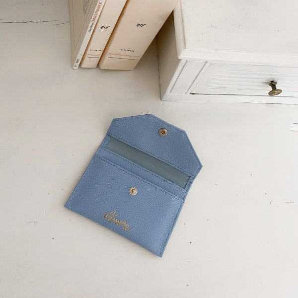 Alénore haute maroquinerie végétale est une marque de sacs et accessoires véganes, sans cuir, fabriqués en France, éthique et éco-responsable